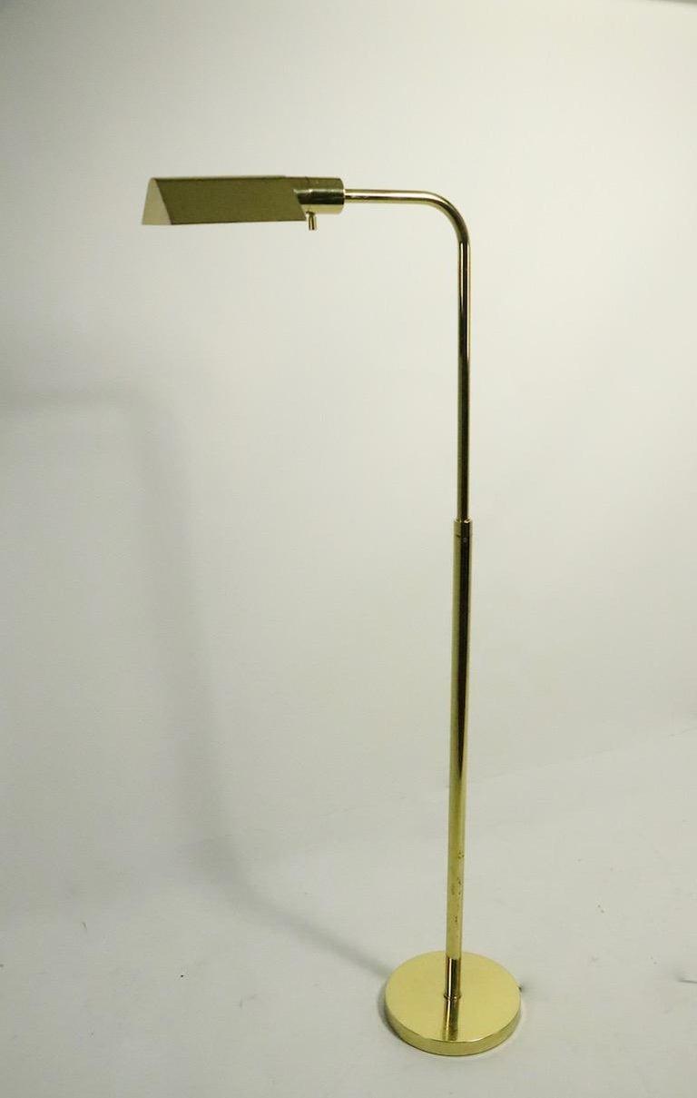 Adjustable Brass Pharmacy Lamp by JPF Mendizabal for Industria Argentina For Sale 4