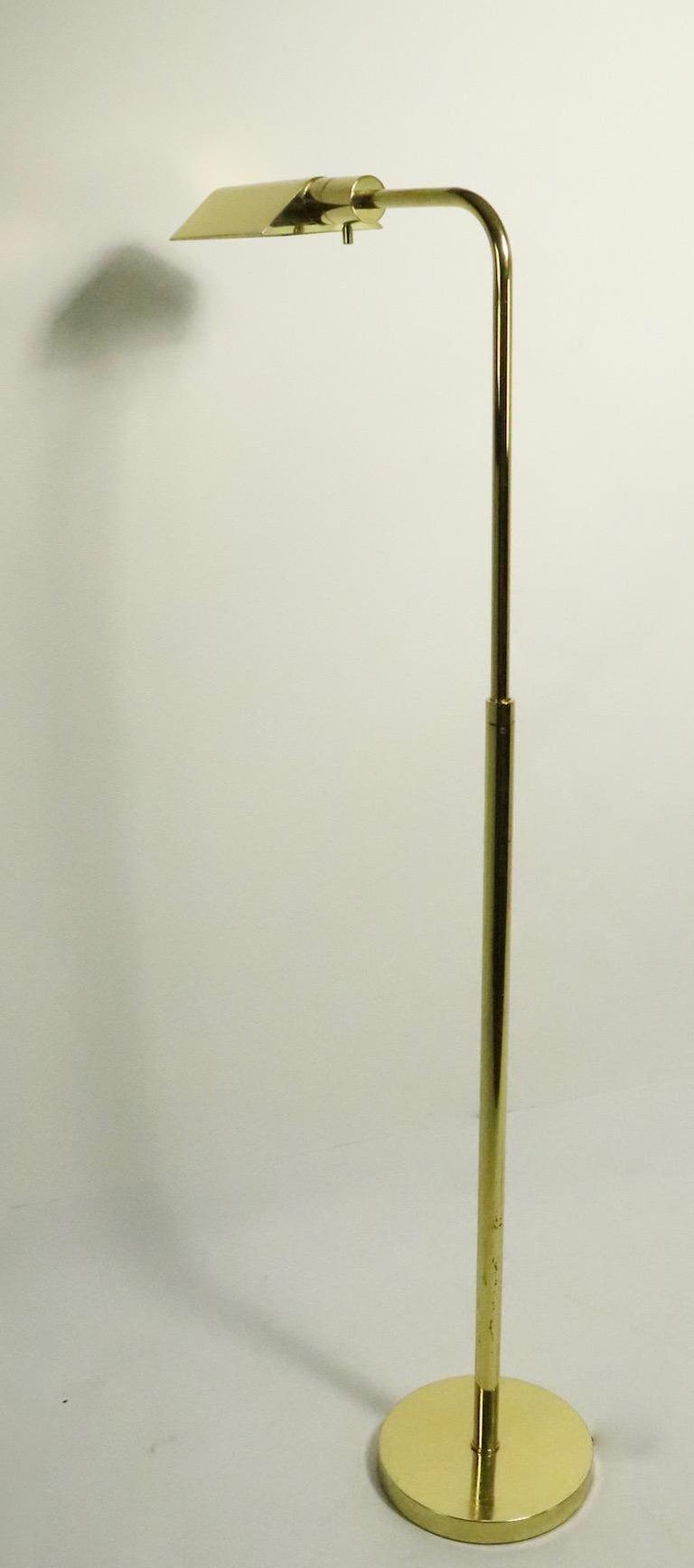 Adjustable Brass Pharmacy Lamp by JPF Mendizabal for Industria Argentina For Sale 3