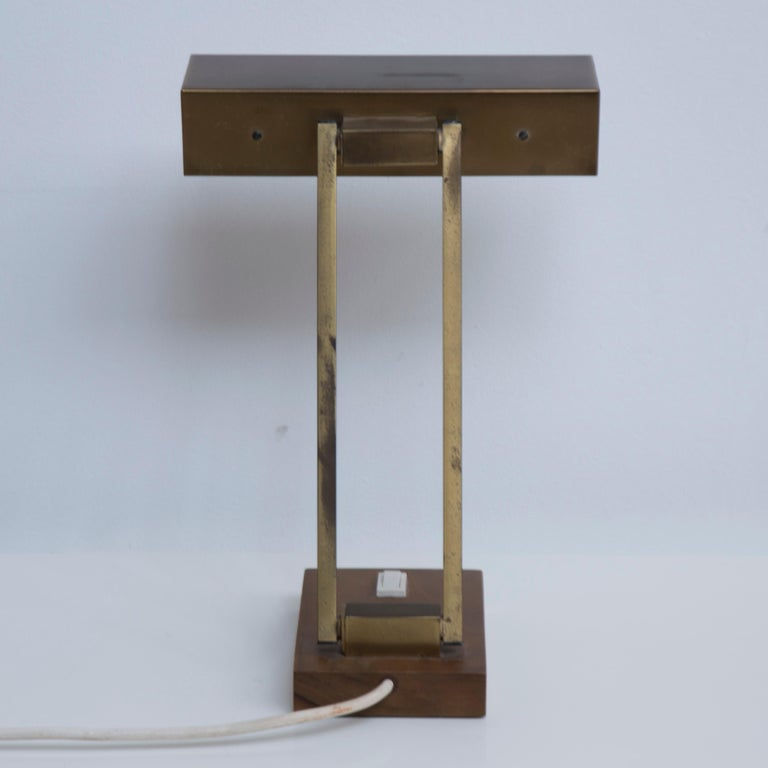 Adjustable Brass Table Lamp On a Brass Base, 1950s In Good Condition For Sale In AMSTERDAM, NL