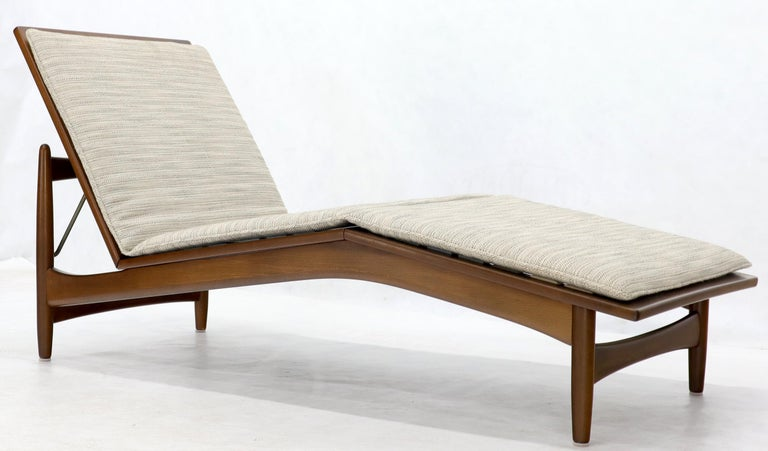 Pleasant Adjustable Danish Mid Century Modern Chaise Lounge By Selig Ncnpc Chair Design For Home Ncnpcorg