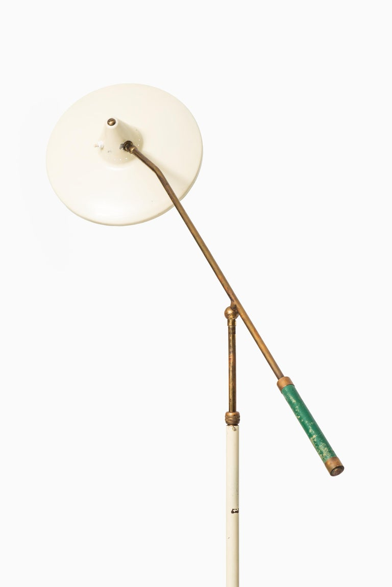 Adjustable Floor Lamp Attributed to Giuseppe Ostuni Produced by Stilnovo For Sale 1