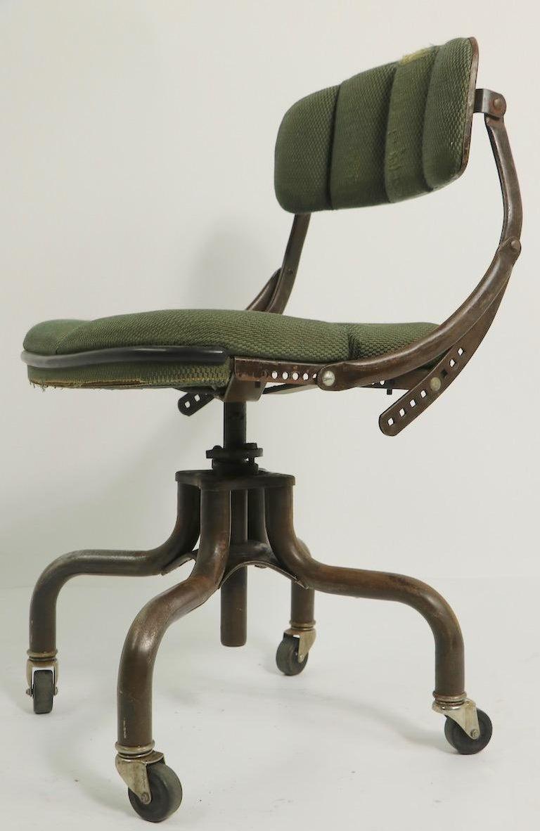 Swift industrial task chair