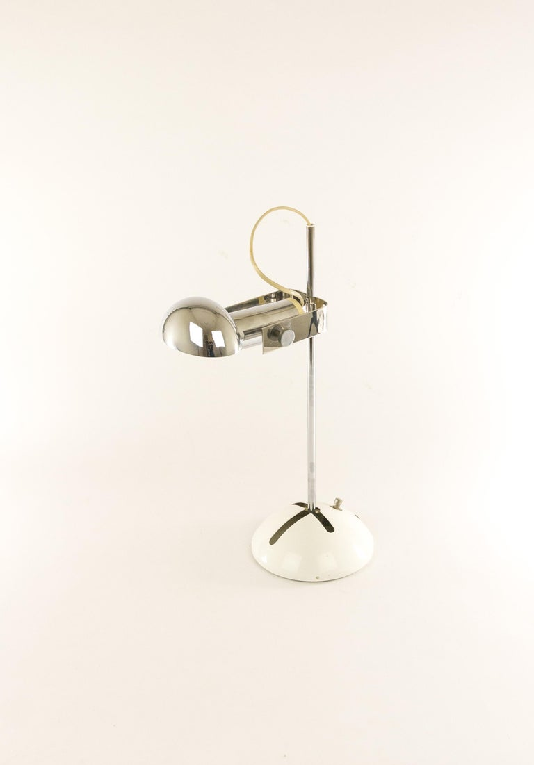Italian Adjustable T395 Table Lamp by Robert Sonneman for Luci Cinisello, 1970s For Sale