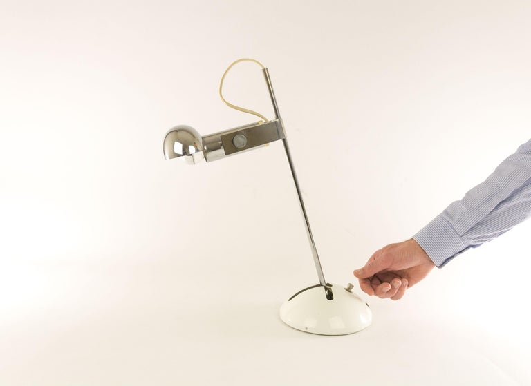 Metal Adjustable T395 Table Lamp by Robert Sonneman for Luci Cinisello, 1970s For Sale