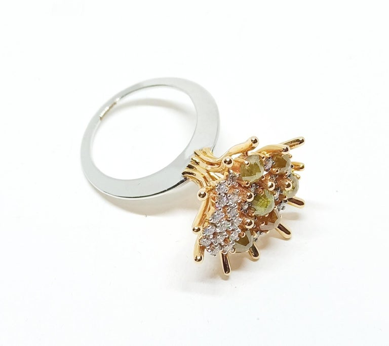 Admiration Comes Naturally with Contemporary Yellow and White Diamond Gold Ring For Sale 1