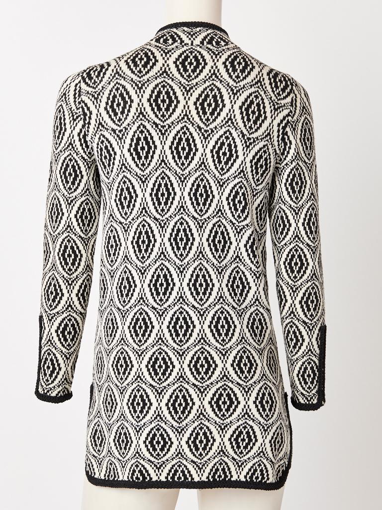 Adolfo Graphic Pattern Knit Cardigan In Good Condition For Sale In New York, NY