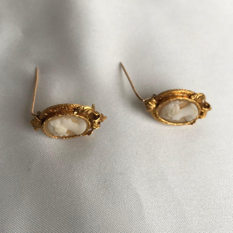 Women's or Men's  Froment-Meurice Set in 18 Carat, Yellow Gold and Cameo, 19th Century For Sale