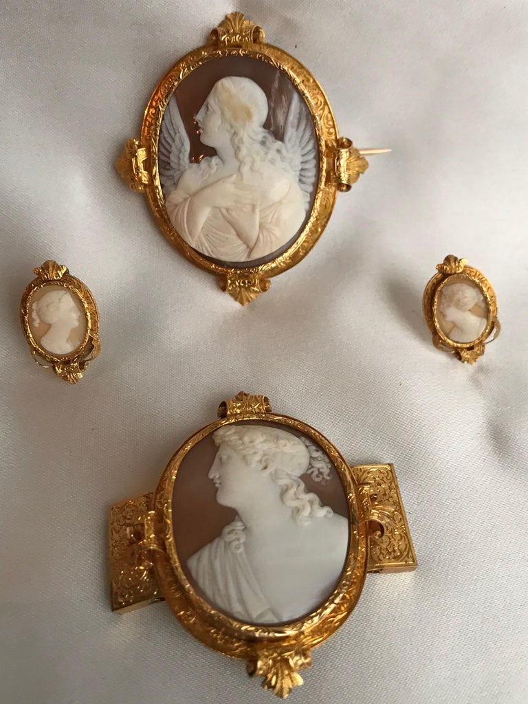 Froment-Meurice Set in 18 Carat, Yellow Gold and Cameo, 19th Century For Sale 3
