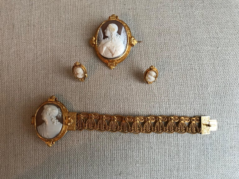Froment-Meurice Set in 18 Carat, Yellow Gold and Cameo, 19th Century For Sale 4