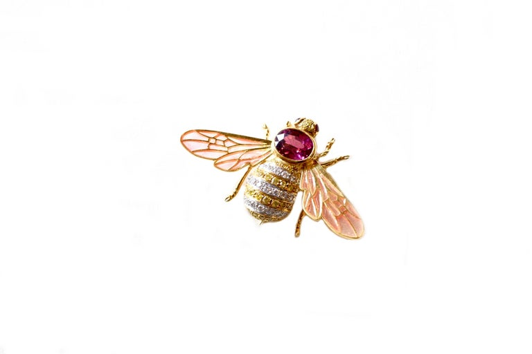 Adria de Haume 18 Karat Gold Bee Brooch / One of a Kind In Excellent Condition For Sale In Roxbury, CT