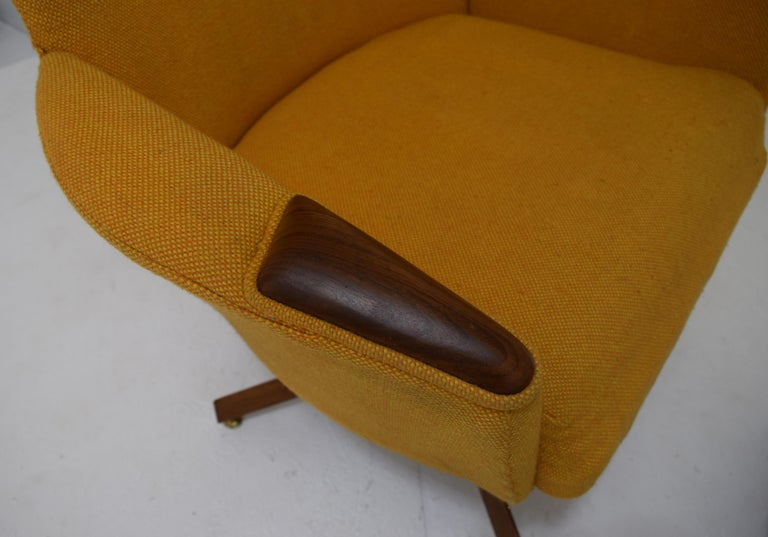 Adrian Pearsall Chair and Ottoman Signed with Original Fabric For Sale 3