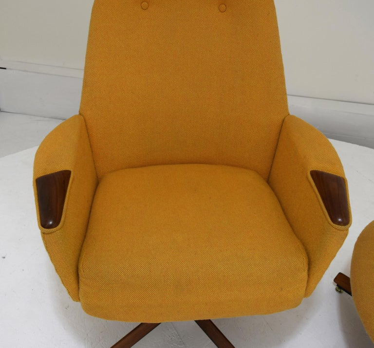 Adrian Pearsall Chair and Ottoman Signed with Original Fabric For Sale 10