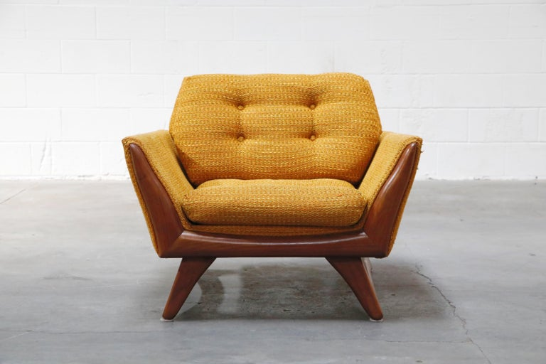 This 1960s sculptural lounge chair is by Adrian Pearsall for Craft Associates and is signed with a Craft Associates Inc. label, confirming its authenticity which is a great thing as there were (and still are) many knock offs of Adrian Pearsall's