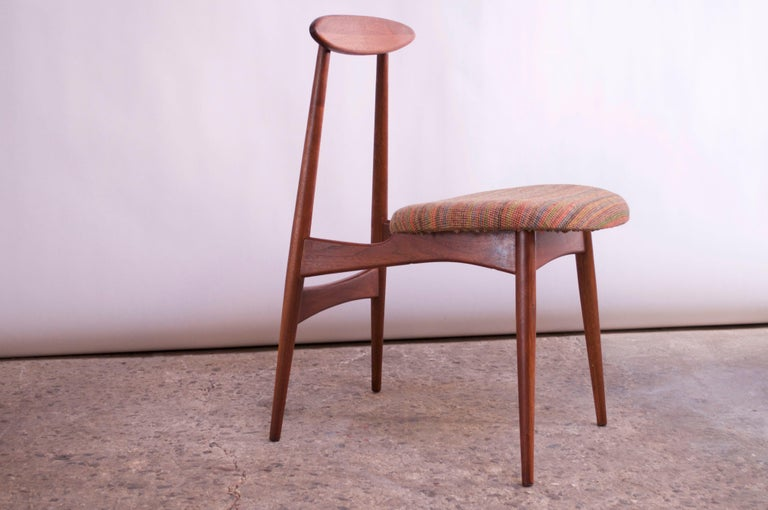 Adrian Pearsall for Craft Associates Walnut Desk or Accent Chair Model #909 In Good Condition For Sale In Brooklyn, NY
