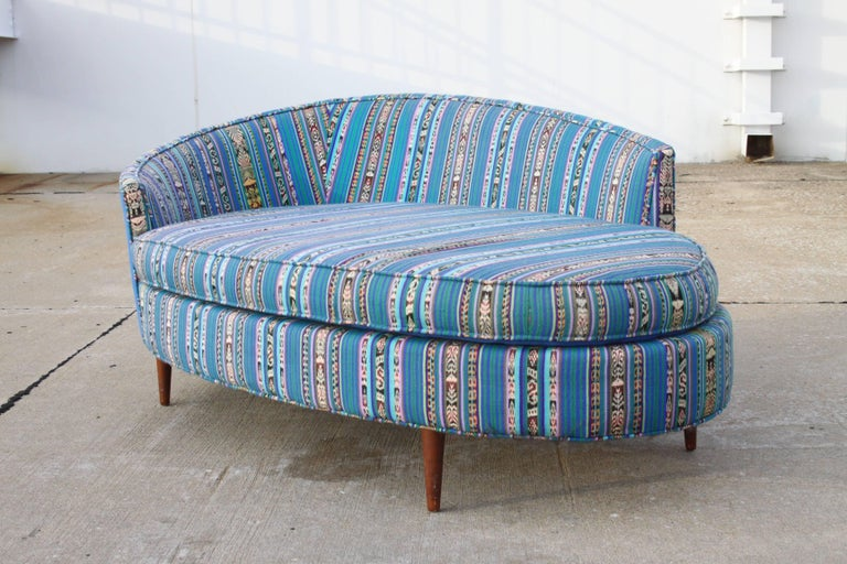 Adrian Pearsall Oval Chaise Lounge Settee In Good Condition For Sale In St. Louis, MO