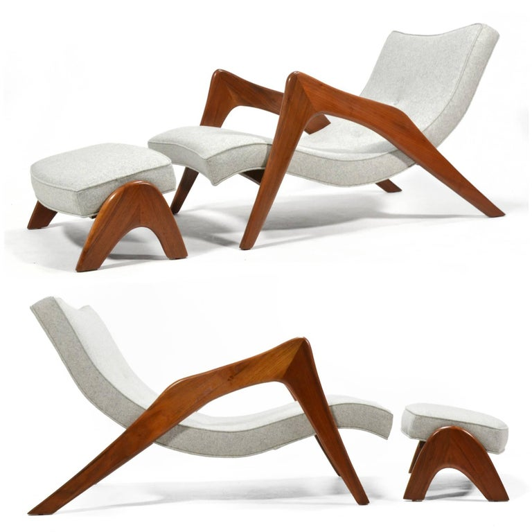 Adrian Pearsall Pair of Crescent Lounge Chairs and Ottomans For Sale 3