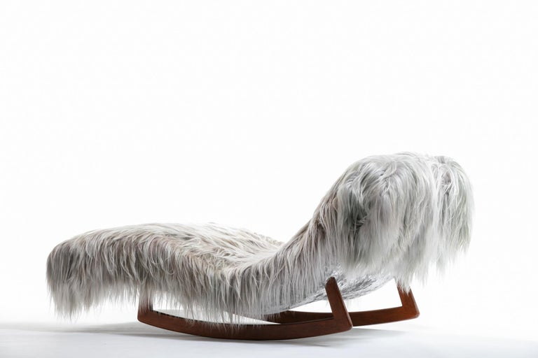 Adrian Pearsall Style Wave Rocking Chaise in Silver Long Hair Goat Fur For Sale 4