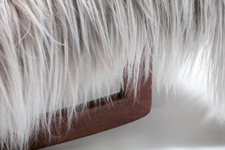 Adrian Pearsall Style Wave Rocking Chaise in Silver Long Hair Goat Fur In Good Condition For Sale In Saint Louis, MO