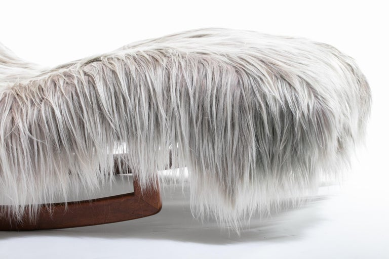 Late 20th Century Adrian Pearsall Style Wave Rocking Chaise in Silver Long Hair Goat Fur For Sale