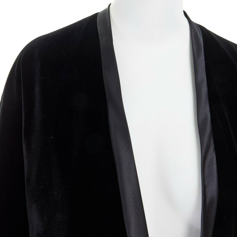 ADRIENNE LANDAU black velvet white silk lined cape poncho shawl jacket For Sale 4