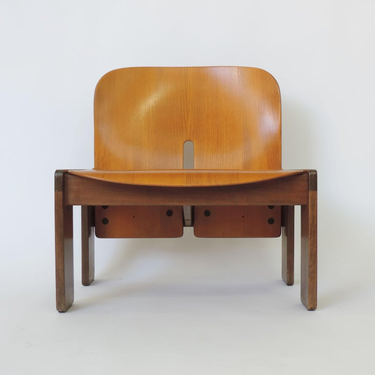 Afra & Tobia Scarpa pair of 925 easy chairs for Cassina, Italy, 1966 Seat and back in bent plywood and frame in solid wood Original labels.