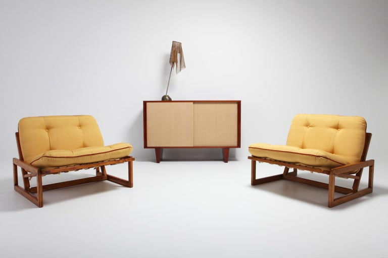 Carlotta lounge chair by Afra e Tobia Scarpa for Cassina. Cassina manufactured these in the 1960s. So it's a very early and rare Mid-Century Modern piece. As you can see on the markings of the chairs which dates these before 1964.