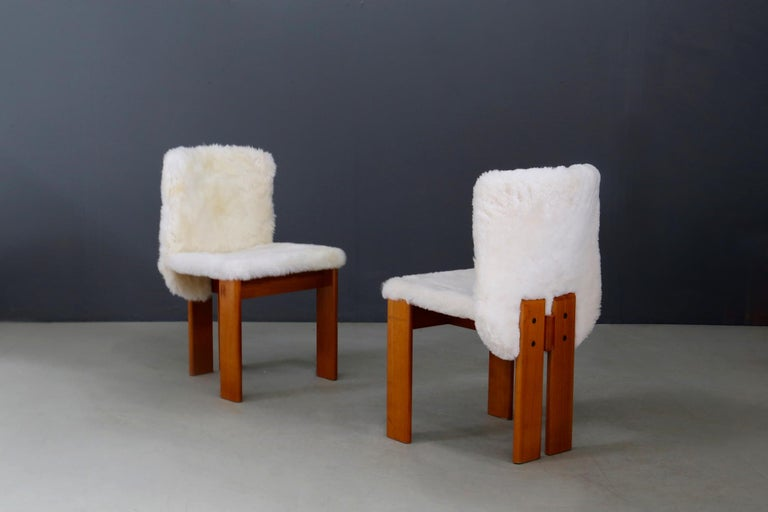 Afra e Tobia Scarpa Set of Six Chair Midcentury in Fur and Wood, 1970s For Sale 2