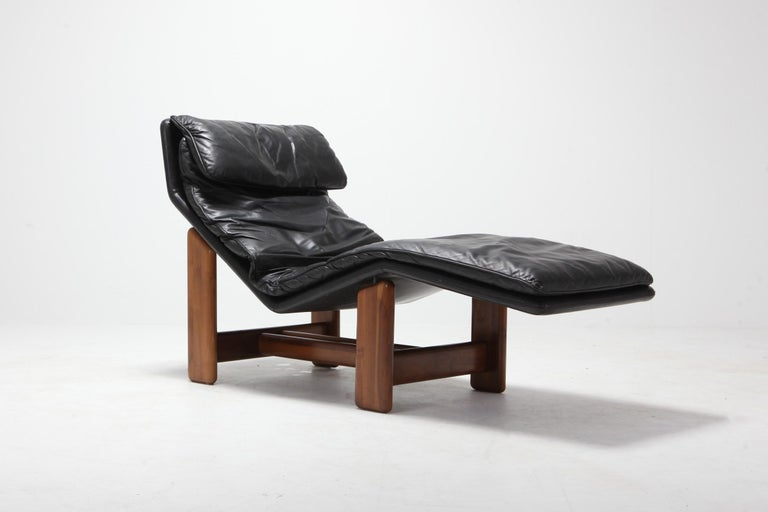 Post-Modern Afra & Tobia Scarpa Black Leather and Walnut Lounge Chair For Sale