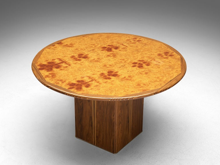 Afra & Tobia Scarpa for Maxalto, round dining table model 'Artona', walnut, walnut burl, Italy, 1975  The table was designed by Afra & Tobia Scarpa within the 'Artona' line for Maxalto. On a squared pedestal base rests a round tabletop. The top