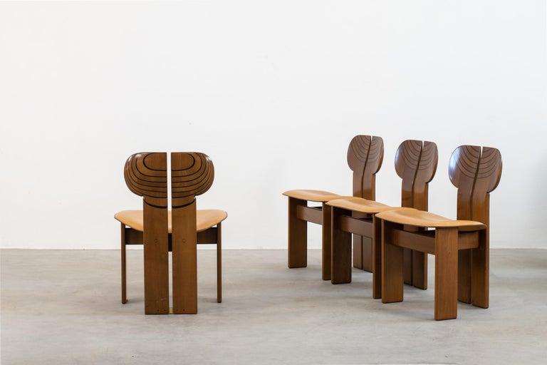 Italian Afra & Tobia Scarpa Set of Four Africa Dining Chairs Maxalto Artona, 1970-80s For Sale