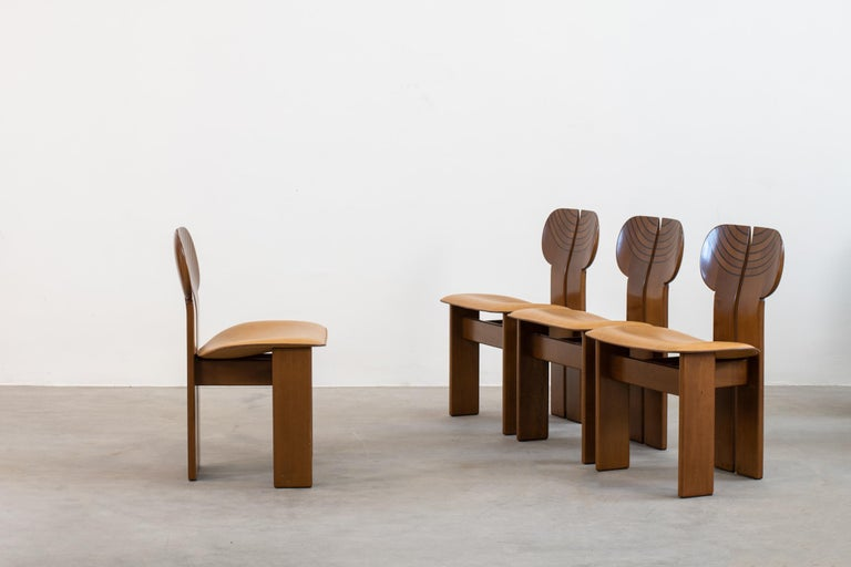 Afra & Tobia Scarpa Set of Four Africa Dining Chairs Maxalto Artona, 1970-80s In Good Condition For Sale In Montecatini Terme, IT