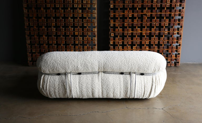 Afra & Tobia Scarpa Soriana Settee for Cassina in Bouclé, circa 1975 For Sale 7