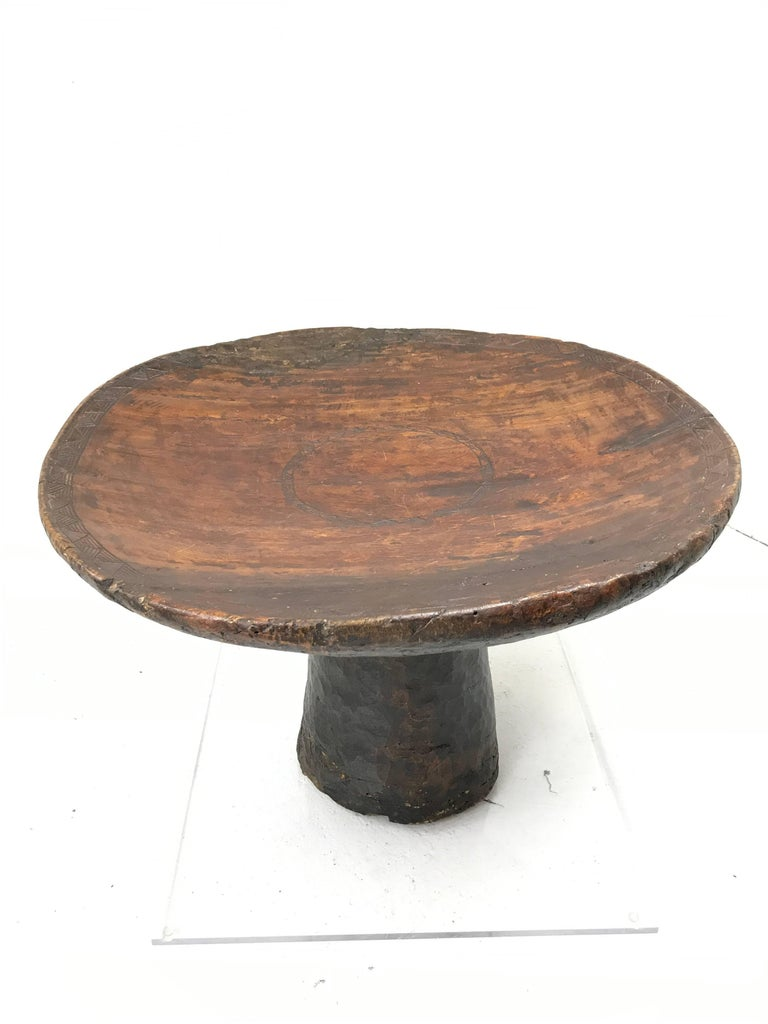African Carved Ceremonial Wedding Stool or Table with Lucite Base For Sale 2