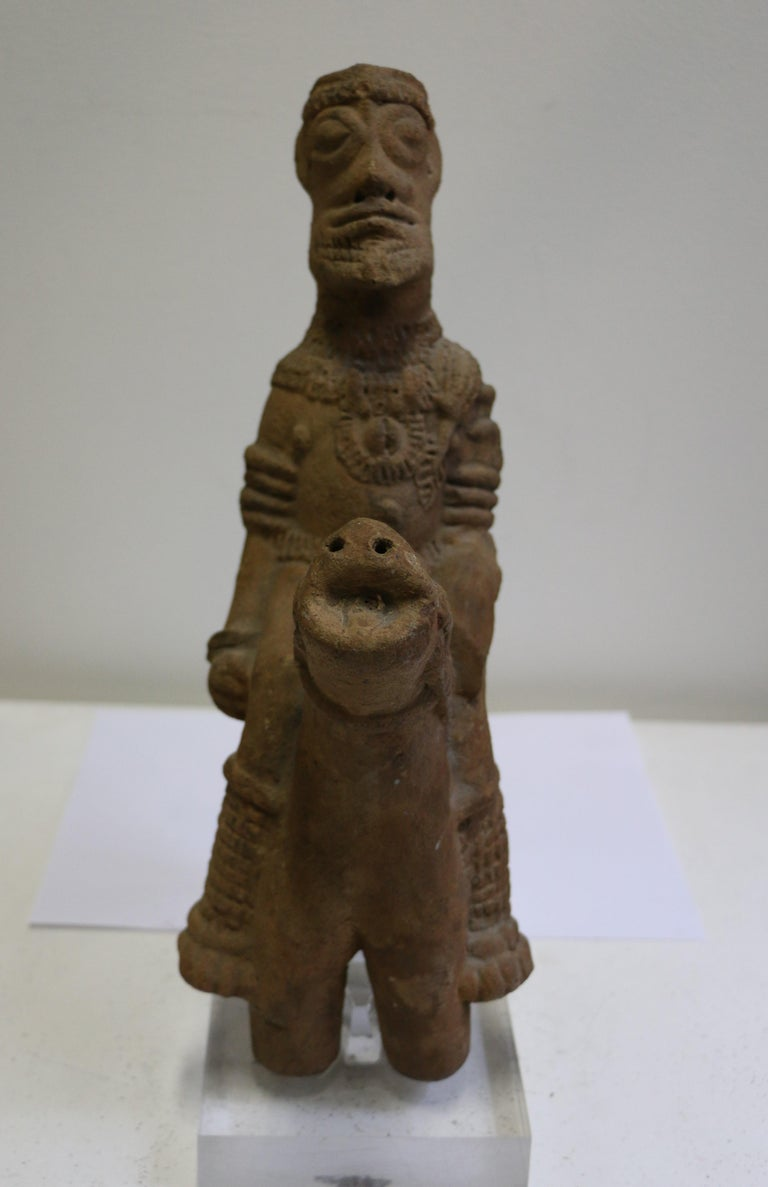 Exceptional antique African Tribal Art terracotta sculpture representing a rider on his horse. It dates back from the 14th -15th century AD and its dating has been confirmed by a thermoluminescence test (Interexpert certificate 388317, 18 March