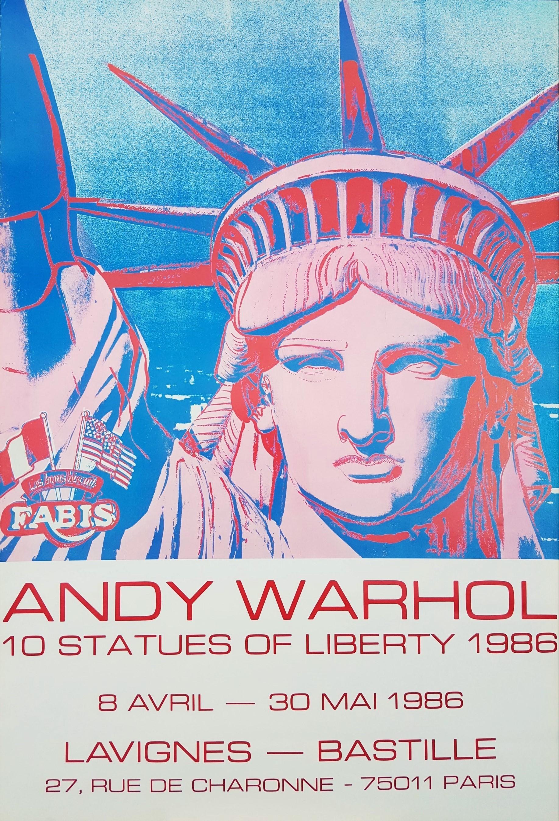 Galerie Lavignes Bastille (10 Statues of Liberty)