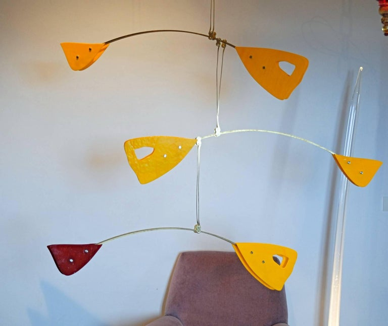 Murano Glass Brass Mobile Chandelier Red and Yellow Glass Elements In Excellent Condition For Sale In Tavarnelle val di Pesa, Florence