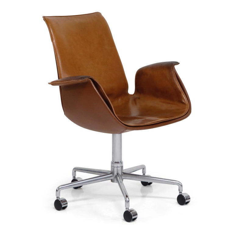 Scandinavian Modern Aged Cognac Leather Bird Chairs by Fabricius & Kastholm for Alfred Kill, 1960s For Sale