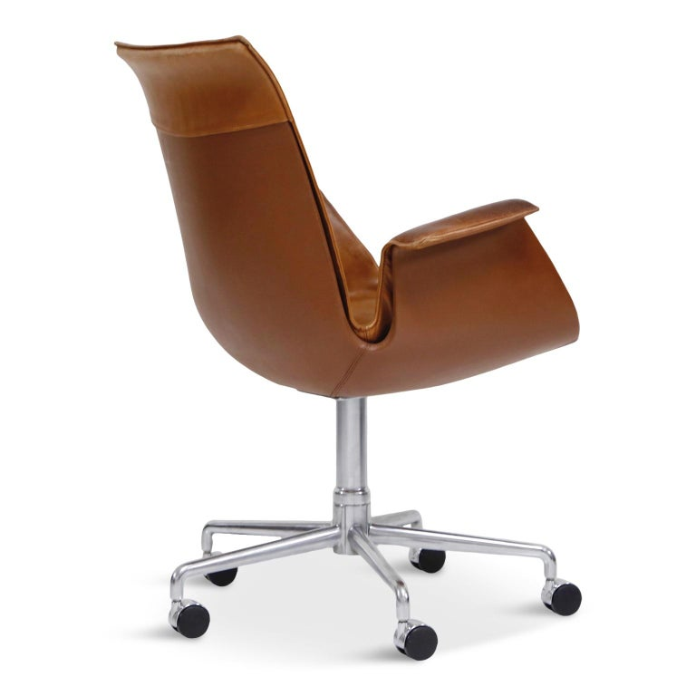 Aged Cognac Leather Bird Chairs by Fabricius & Kastholm for Alfred Kill, 1960s In Good Condition For Sale In Los Angeles, CA