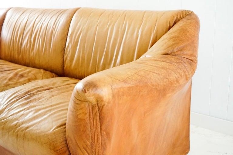 Late 20th Century Aged Cognac Leather Tentazione Three-Seat Sofa by Mario Bellini for Cassina For Sale