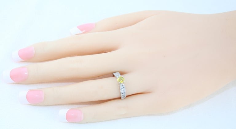 AGL Certified 0.42 Carat Yellow Sapphire Diamond Gold Ring In New Condition For Sale In New York, NY