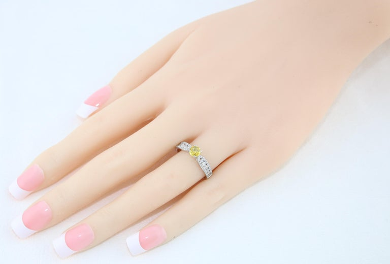 Women's AGL Certified 0.42 Carat Yellow Sapphire Diamond Gold Ring For Sale