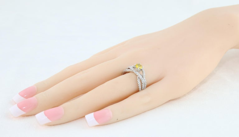 Women's AGL Certified 0.59 Carat Round Yellow Sapphire and Diamond Gold Ring For Sale