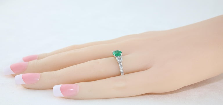 AGL Certified 0.77 Carat Emerald Three-Stone Diamond Gold Ring For Sale 2