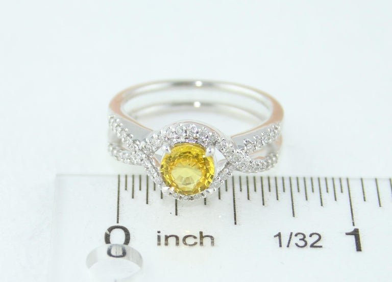 AGL Certified 0.77 Carat Round Yellow Sapphire and Diamond Gold Ring For Sale 3