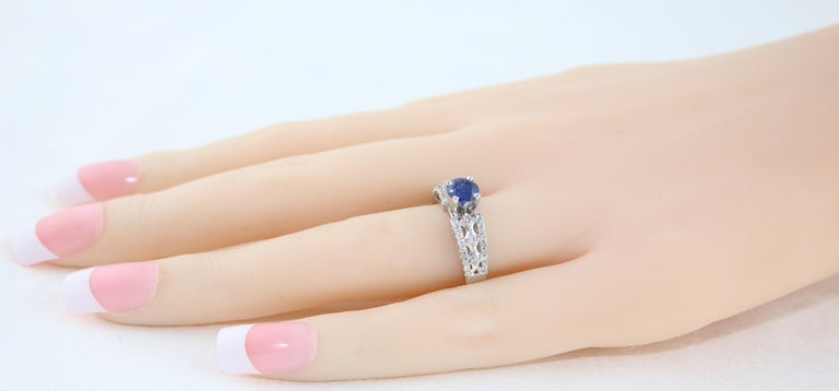 Women's AGL Certified 0.80 Carat Sapphire Diamond Gold Ring For Sale