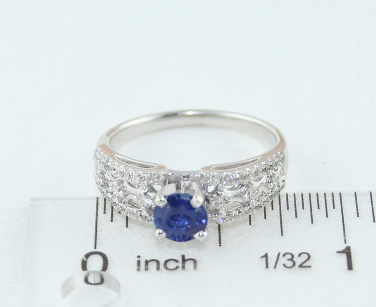 AGL Certified 0.80 Carat Sapphire Diamond Gold Ring For Sale 2