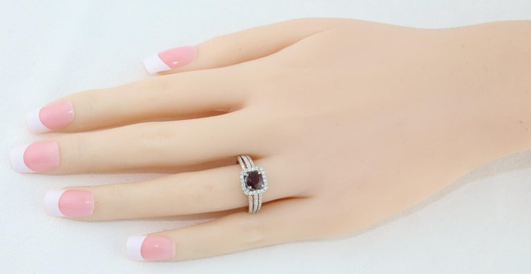 AGL Certified 0.81 Carat Round Ruby Diamond Gold Ring In New Condition For Sale In New York, NY