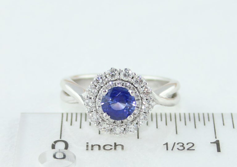 AGL Certified 0.84 Carat Round Sapphire Diamond Gold Ring For Sale 4