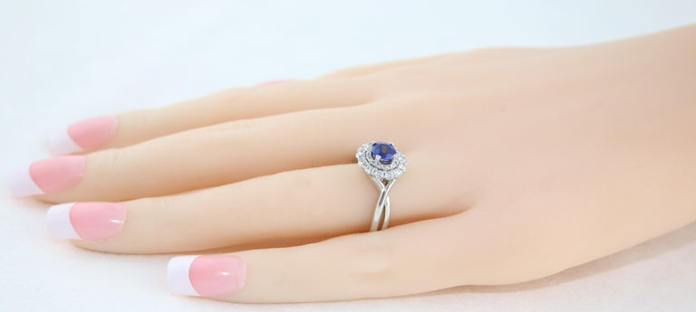 AGL Certified 0.84 Carat Round Sapphire Diamond Gold Ring For Sale 2