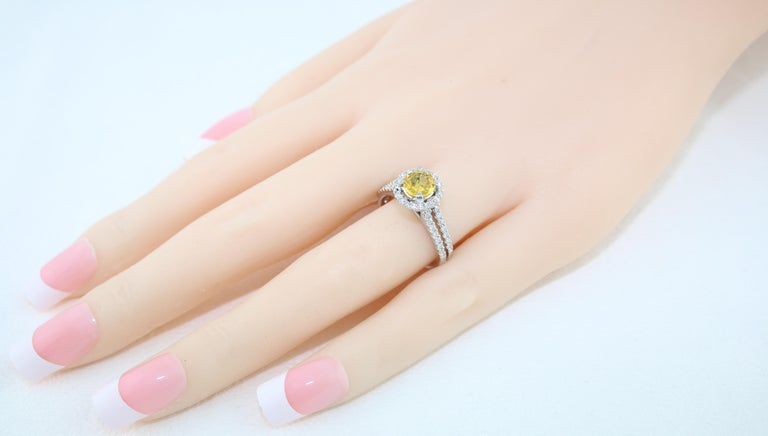 AGL Certified 0.84 Carat Round Yellow Sapphire Diamond Gold Ring For Sale 4
